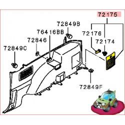 Couvercle de Boite à Outil sur l'Aile Intérieur Arrière Droite Pajero 4